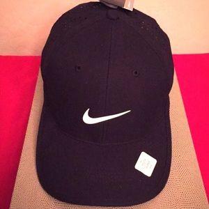 🆕 Nike Youth Unisex Cap